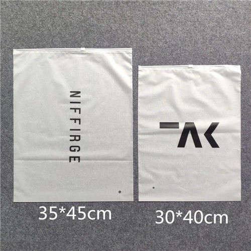 Guangzhou Lefeng Manufacturer Matte Frosted Shopping Clear Poly Clothes Bag Cloth Bags With Custom Printed Logo